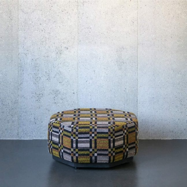 London-square-moss-green-pouf-geoµ